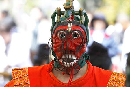 Okikokubun Temple Lotus Flower Dance Ceremony