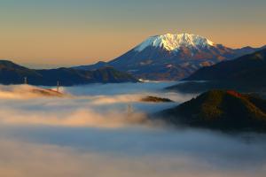 (6) 雲海に浮かぶ大山